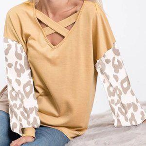 Super cute puff leopard sleeve top
